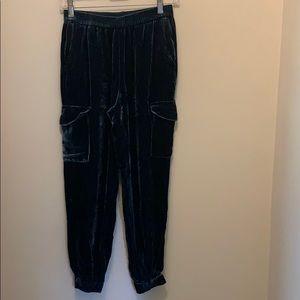 GORGEOUS BCBG VELVET PANTS XS